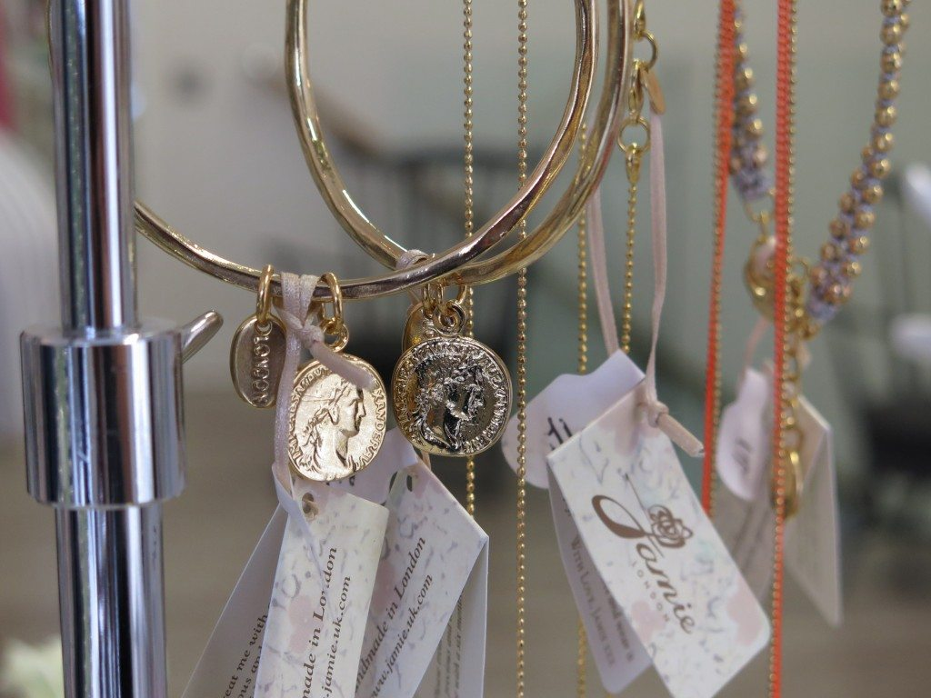 bracelets_coin