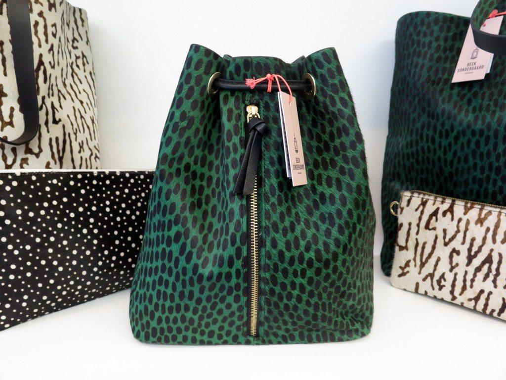 duffel_backpack