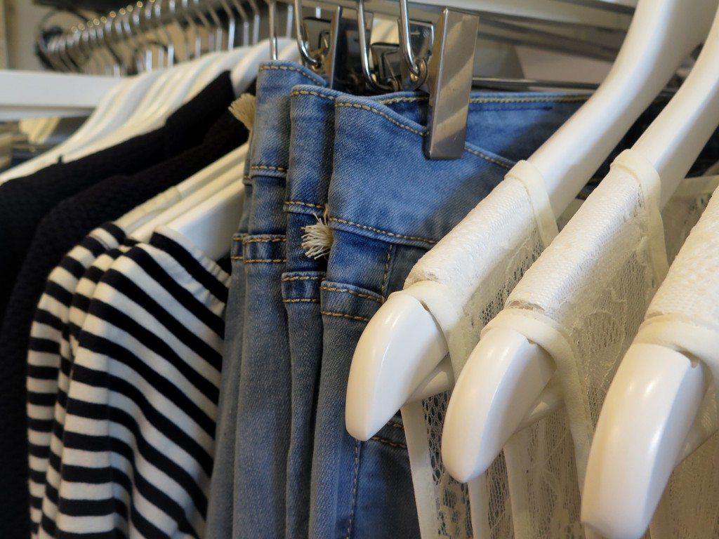 jeans_rail