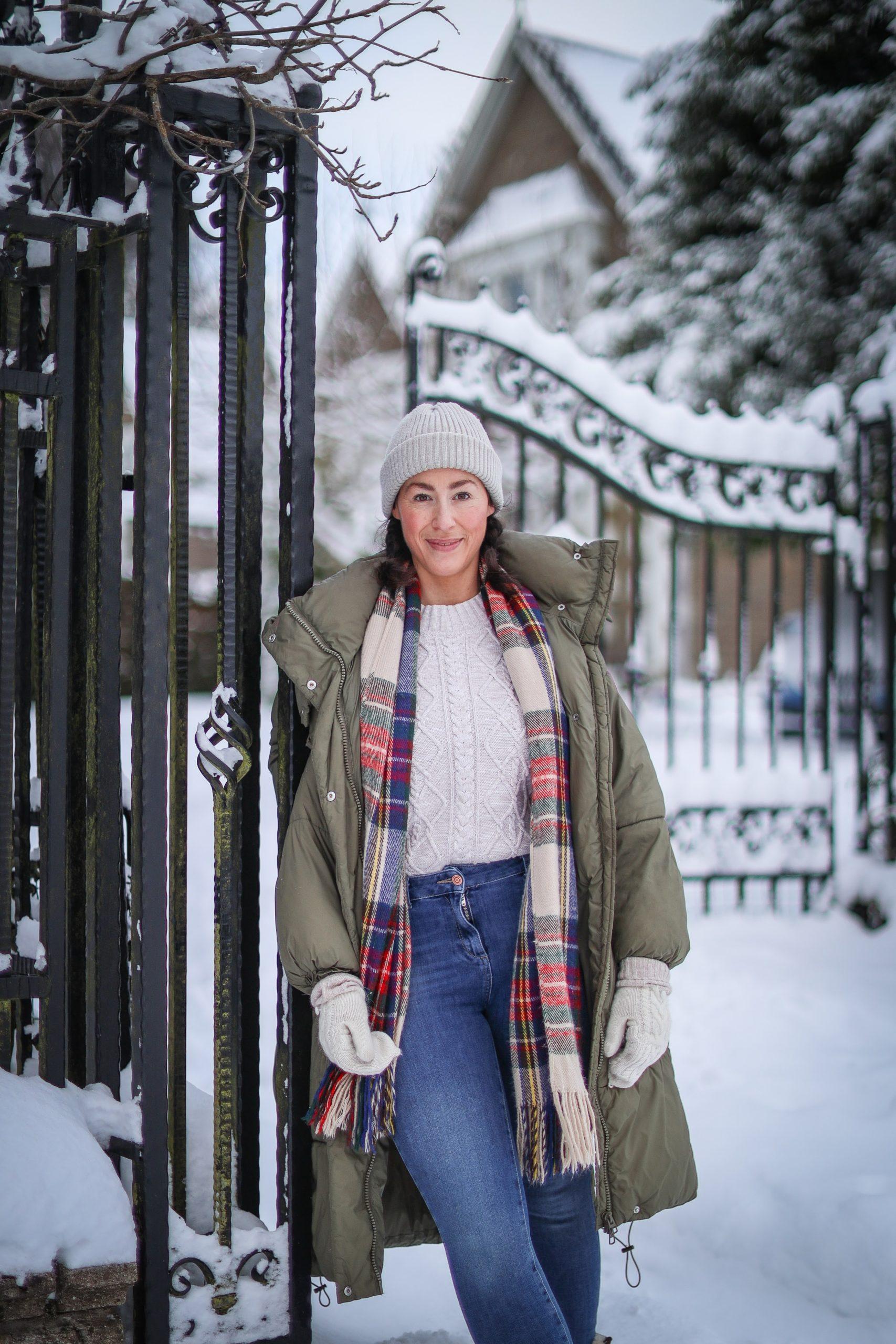 snow walk gates